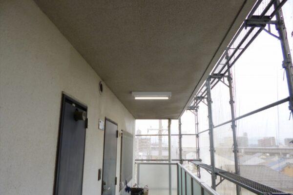大阪府大阪市中央区 マンション 廊下塗装 (1)