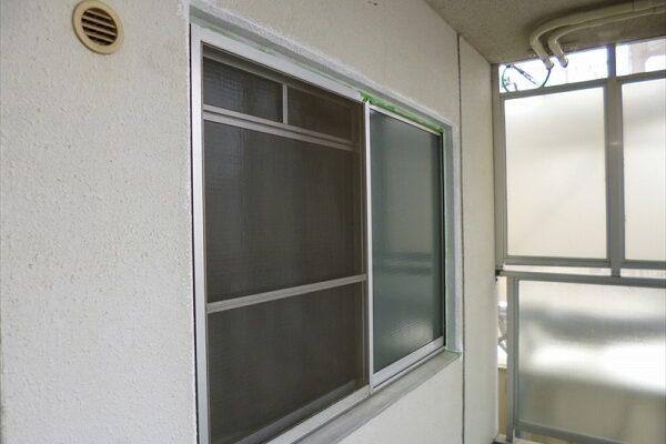 大阪府吹田市 マンション 窓枠塗装 (4)